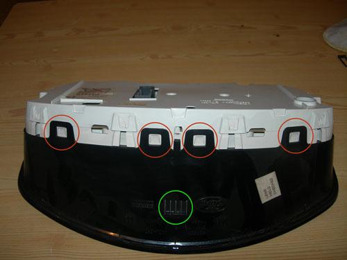 Фото 8. Разборка панели приборов Форд Фокус 2