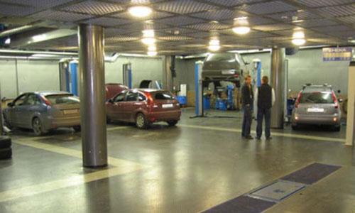 Техцентр у Commics-а: ремонт автомобилей Ford и Mazda