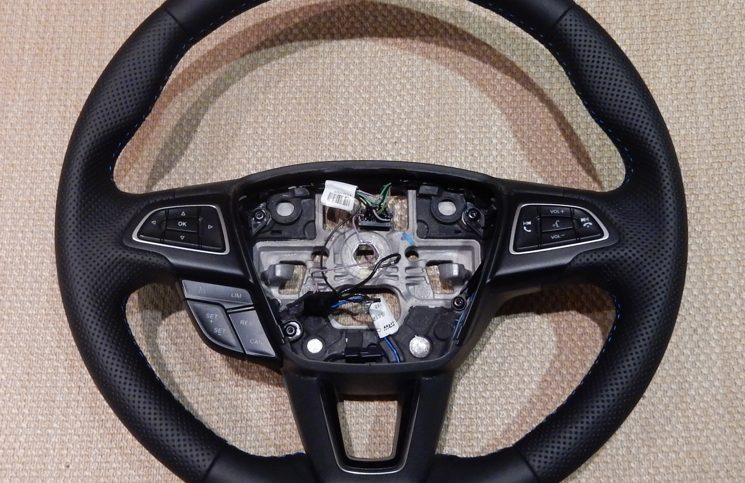Перетянутый руль Форд Фокус 3 рестайл